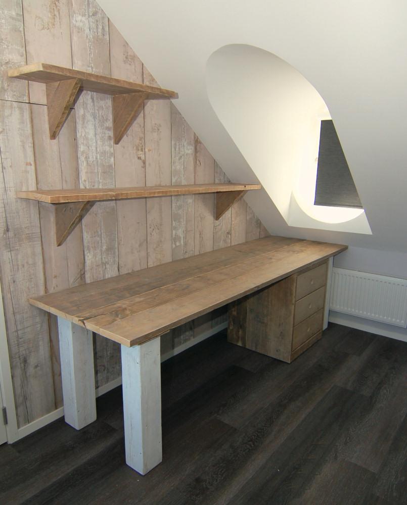 Tafels bureau 39 s en banken van steigerhout mura mura for Meubels keukens bedden matrassen banken kasten ikea