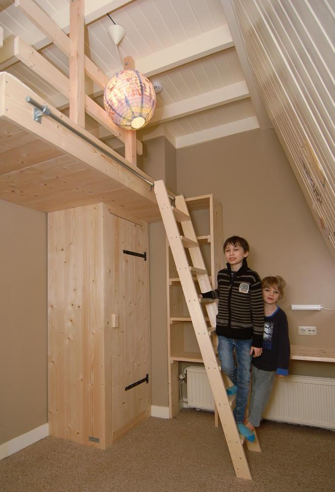 Kinderkamer Met Hoogslaper.Hoog Slapen In Een Kinderkamer Met Videbed Mura Mura